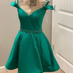Sherri hill size 4 emerald green